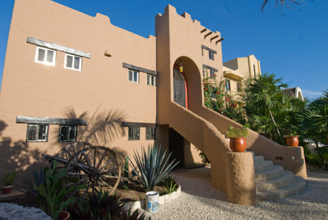 Another exterior view of Alma Vida vacation rental villa