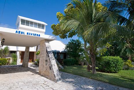 Azul Riviera 4 BR Akumal vacation rental villa near Yalku lagoon