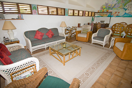 Living room of Azul Riviera 4 BR Akumal vacation rental home