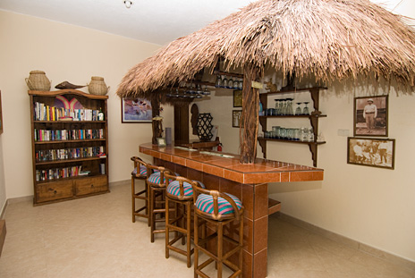 tiki bar at casa caribena vacation beach rental villa on tankah bay