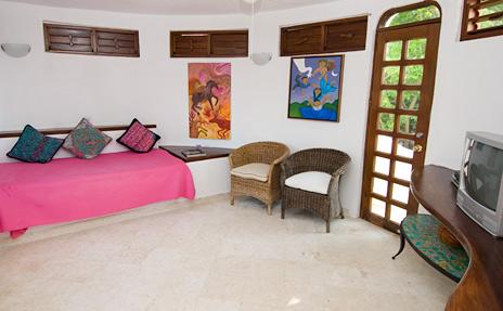 TV room with day bed Casa Bella rental villa