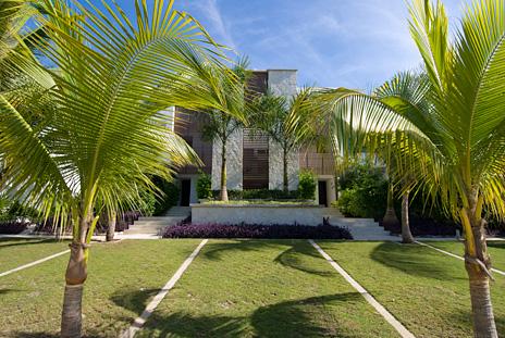 Exterior of Casa Coral condos, Akumal vacation rentals