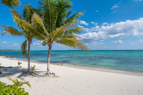 Casa Cavu is a 3 BR vacation rental villa on Tankah Bay on the Riviera Maya