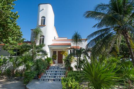 Exterior of Casa Cavu 3 BR vacation rental villa on Tankah Bay on the Riviera Maya