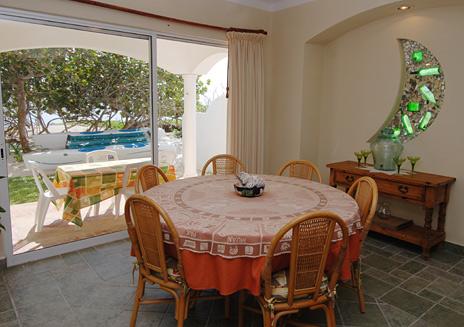 Emerald moon villa akumal mexico vacation rental villas for Sliding glass doors onto deck