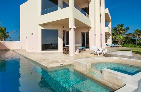patio and pool of Villa Fantasea