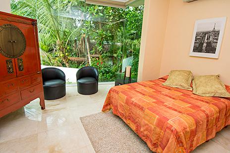 Villa Gauguin bedroom