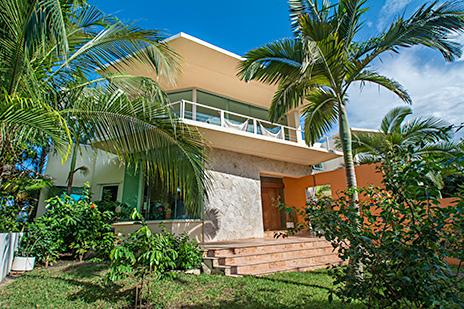 Villa Gauguin street side