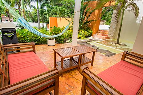 Villa Gauguin back patio