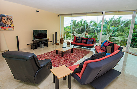 Villa Gauguin tv studio