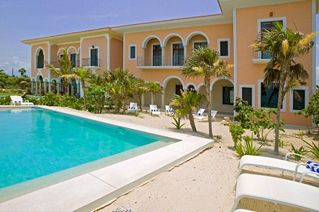 Hacienda Corazon 10 bedroom Puerto Aventuras luxury villa exterior with pool