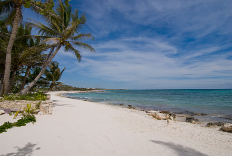 A glorious beach at Dos Jaguares vacation rental villa in Akumal, Riviera Maya