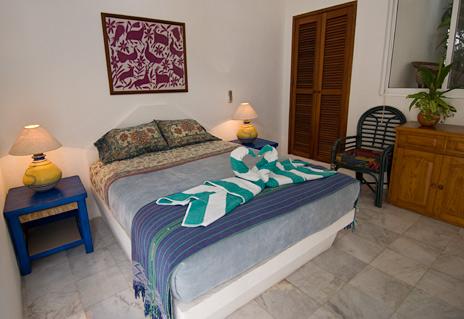 Dos Jaguares Akumal Mexico vacation villa rental