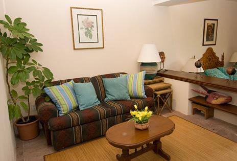 Ka Kuxta vacation villa  guesthouse living area