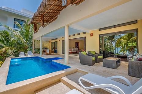 Swimming pool and patio  of Villa Luminosa, a  vacation rental home  south of Akumal