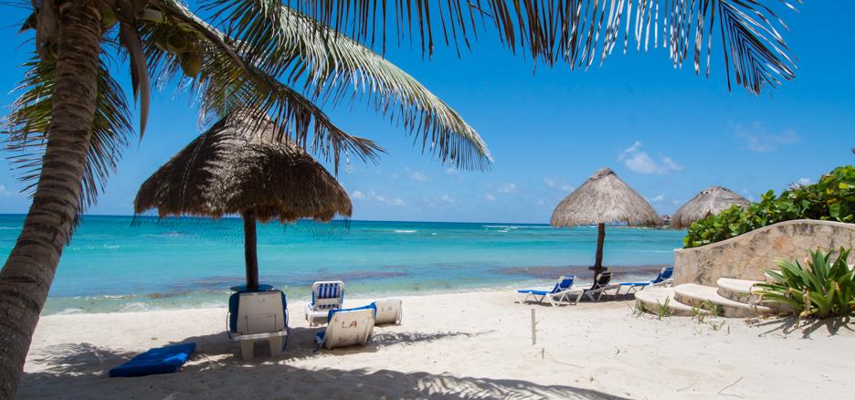 Luna Azul condos are located on sandy shores of Half Moon Bay