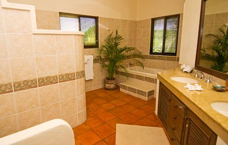 Bathroom of Casa Magica vacation villa on Jade Bay