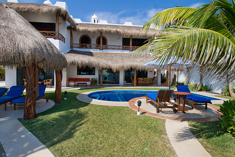 Back view of Casa Magica 5 BR luxury vacation villa on Jade Bay