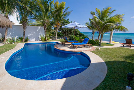 Casa Magica swimming pool on Jade Bay