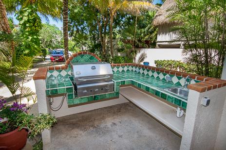 Outdoor gas grill  at Villa Margaraita vacation villa
