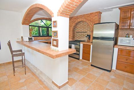 Kitchen Mayamor Akumal vacation rental