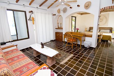 Master bedroom Mayamar Akumal vacation rental