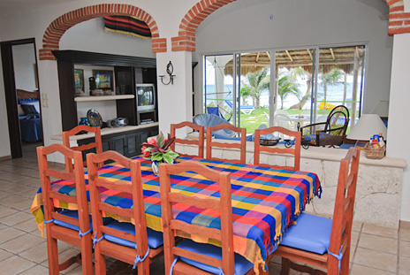Dining room of VIlla Palmeras vacation rental villa on Jade Beach