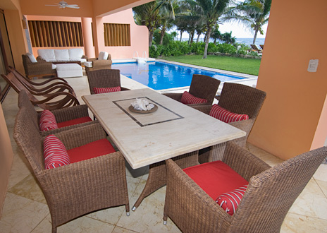 Outdoor dining at villa palmilla luxury vacation rental villa