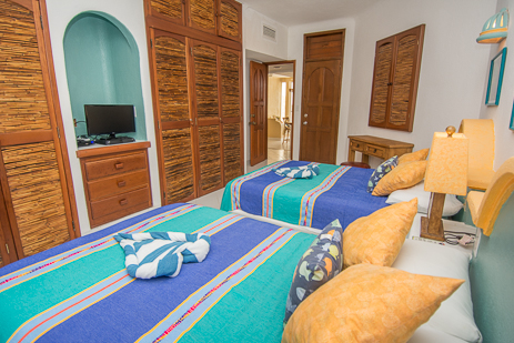 second bedroom of playa caribe akumal vacation rental condo