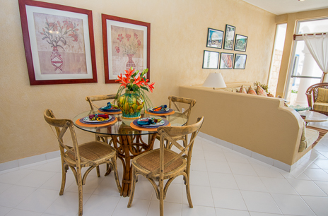 dining area of playa caribe akumal vacation rental condo