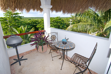 Playa Caribe #7 back patio with BBQ