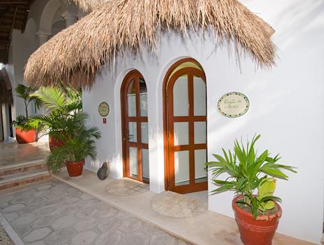Exterior of Playa Caribe Akumal Vacation Rental Condos