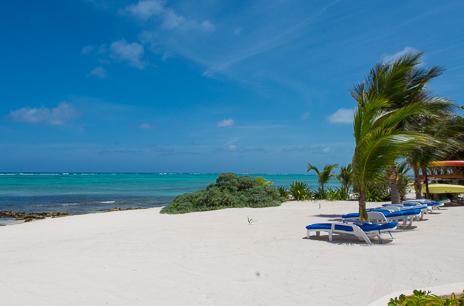 Sandy beach Villa Playa Azul, Tankah vacation rental villa