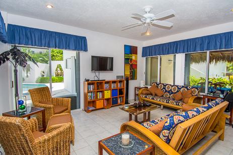Living room Villa Playa Azul, Riviera Maya vacation rental villa