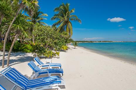 Los Primos South Akumal vacation rental villa has a beautiful sandy beach