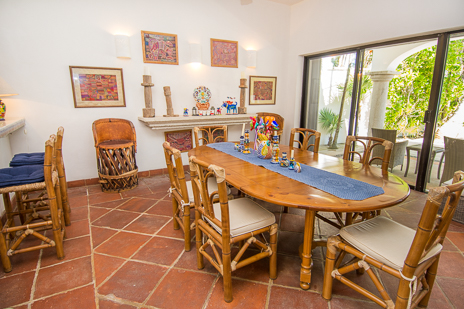 Dining room at Los Primos South Akumal vacation rental villa