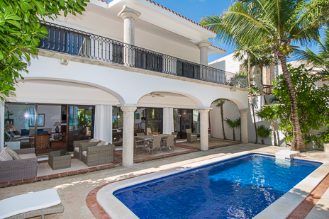 Exterior and pool view of Los Primos South Akumal vacation rental villa