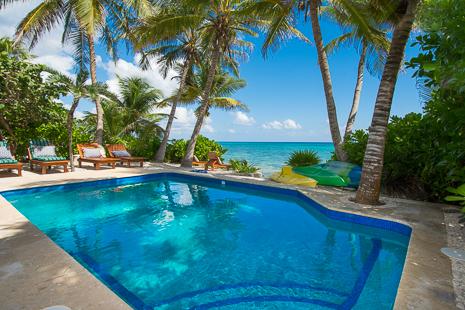 Swimming pool at Casa San Francisco luxury vacation rental villa in South Akumal