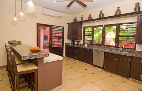 Complete kitchen Buena Suerte