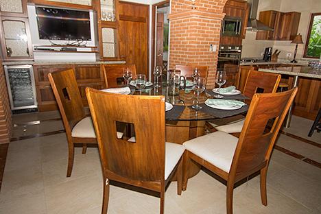 Texana dining room