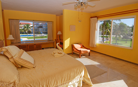 Master bedroom in 205C Puerto Aventuras rental condo at Villa del Mar