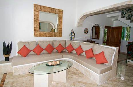Living area at Villa Iguana Soliman Bay vacation rental property